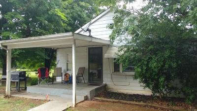 Monroe County Single Family Home For Sale: 654 Old Cemetery Rd