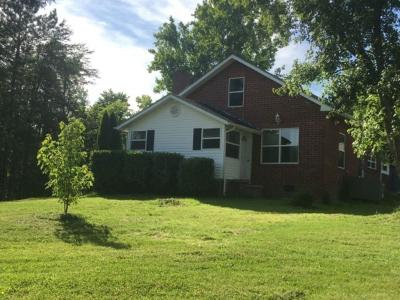 Knoxville Single Family Home For Sale: 805 Oliver Rd