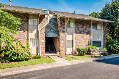 Sequoyah Hills Condo/Townhouse For Sale: 3636 Taliluna Ave # 139