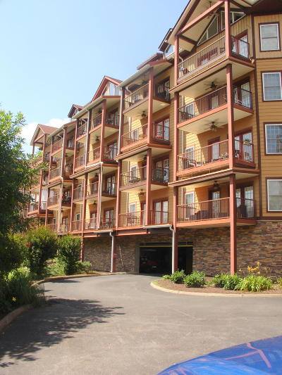 Sevierville Condo/Townhouse For Sale: 527 River Place Way #Unit 414