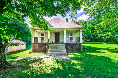 Knoxville Single Family Home For Sale: 415 Durbin Drive