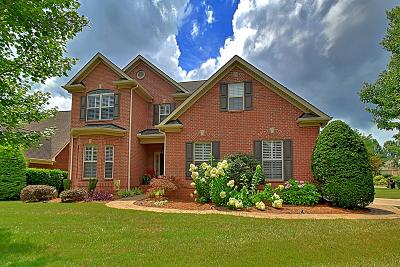 Knoxville Single Family Home For Sale: 9825 Giverny Circle