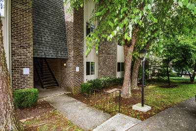 Sequoyah Hills Condo/Townhouse For Sale: 3636 Taliluna Ave #Apt 220