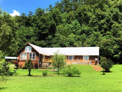 Single Family Home For Sale: 726 Highway 107