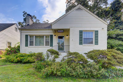 Knoxville Single Family Home For Sale: 2450 Kennington Rd