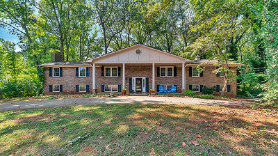 Knoxville Single Family Home For Sale: 6941 Riverwood Drive