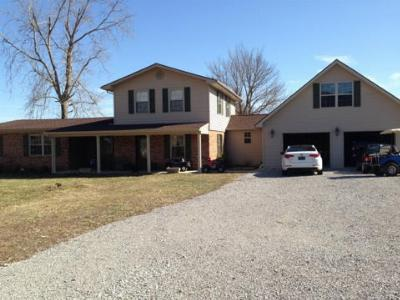 Single Family Home Sold: 637 Old Highway 63