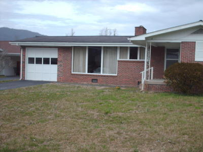 Single Family Home Sold: 902 Chichester Ave