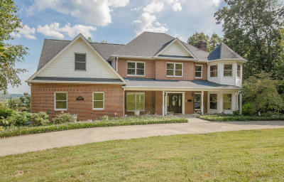 Knoxville Single Family Home For Sale: 5216 Beverly Oaks Drive