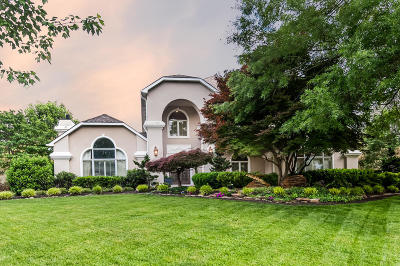 Knoxville Single Family Home For Sale: 3504 Riveredge Circle