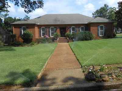 Germantown Single Family Home For Sale: 7638 Blackberry Farm Rd