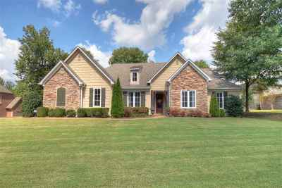 Memphis Single Family Home For Sale: 9052 Stonedale