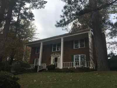 Germantown Single Family Home For Sale: 2399 Dogwood Trail