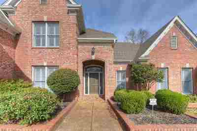 Memphis Single Family Home For Sale: 8434 Wood Manor