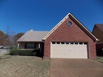 Memphis Single Family Home For Sale: 8428 Creek Front