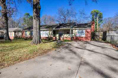 Single Family Home For Sale: 4516 Leatherwood