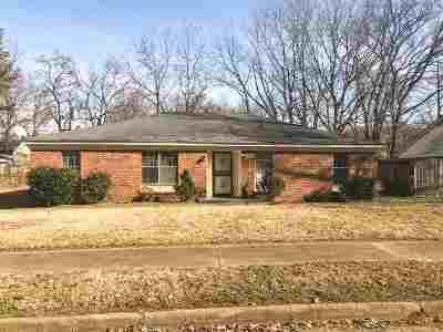 Memphis Single Family Home For Sale: 3784 Brookmeade