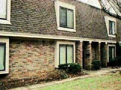Germantown Condo/Townhouse For Sale: 6621 S Poplar Woods #4