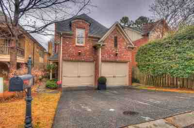Memphis Single Family Home For Sale: 32 Galloway Oaks
