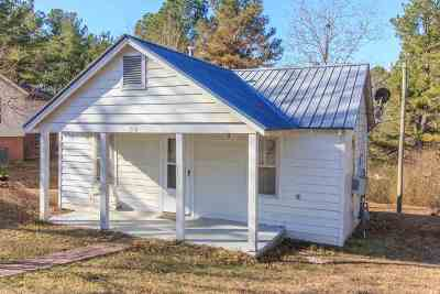 Selmer Single Family Home For Sale: 716 Circle Hill