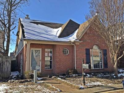 Single Family Home Sold: 591 E Ashley Glen