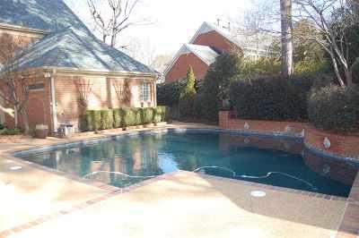 Memphis Single Family Home For Sale: 6415 River Tide