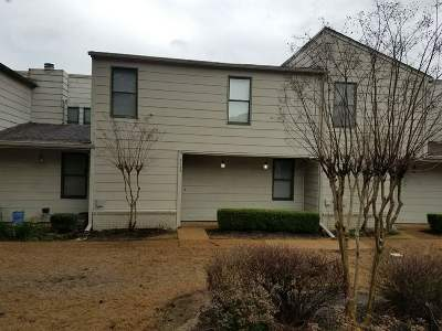 Germantown Condo/Townhouse For Sale: 8485 Rothchild #45