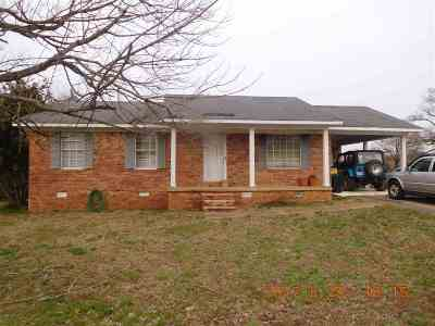 Savannah TN Single Family Home For Sale: $69,500