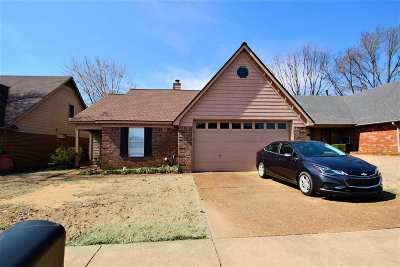 Single Family Home For Sale: 3519 Ripplechase