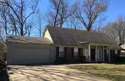 Germantown TN Single Family Home For Sale: $249,900