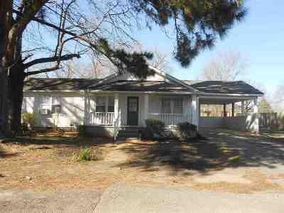 Savannah TN Single Family Home Pending: $59,900