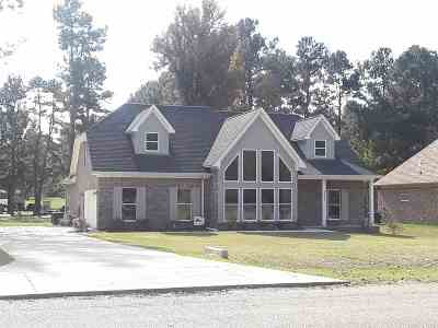 Millington Single Family Home For Sale: 3855 Springton
