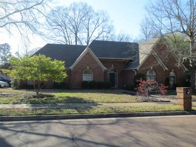 Collierville Single Family Home Contingent: 1103 Macon Ridge