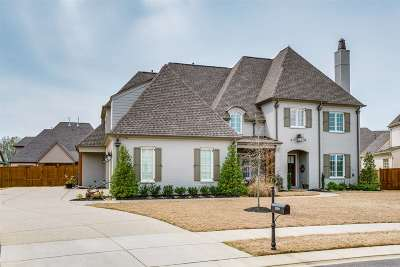 Collierville Single Family Home Contingent: 1589 Horseshoe Bend