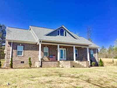 Selmer Single Family Home For Sale: 275 Mitchell Johnson