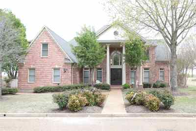 Collierville Single Family Home For Sale: 2394 Logwood Briar