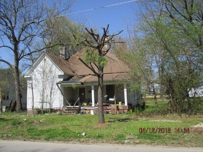 Henning Single Family Home For Sale: 230 E McFarlan