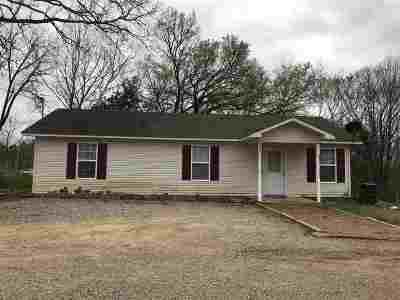 Selmer Single Family Home For Sale: 5877 Hwy. 142
