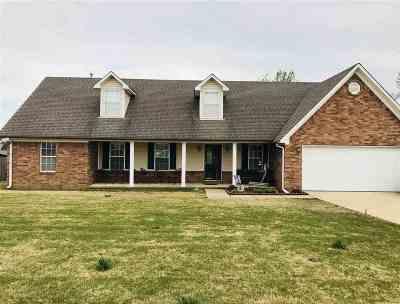Atoka Single Family Home For Sale: 51 Doe