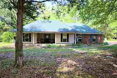 Moscow Single Family Home For Sale: 16687 Hwy 57