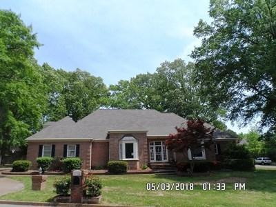 Memphis Single Family Home For Sale: 334 Riveredge