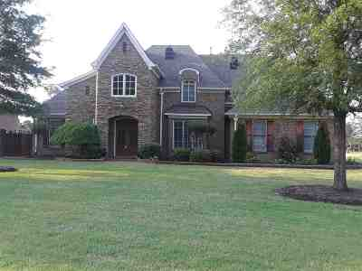 Collierville Single Family Home Contingent: 1010 E Old Hearthstone