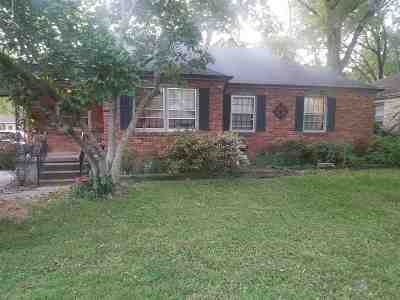Memphis Single Family Home For Sale: 1655 Ivy