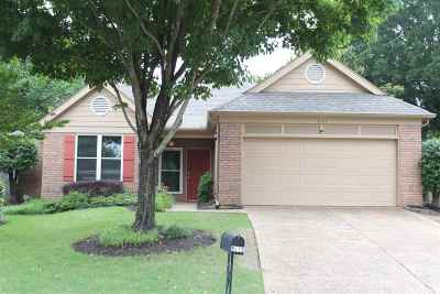 Memphis Single Family Home For Sale: 8173 Wood Moss