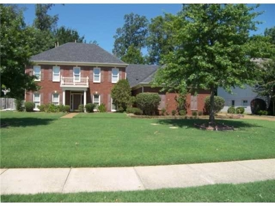 Collierville Single Family Home For Sale: 2033 W Houston Way