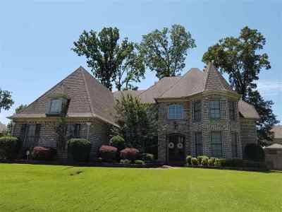 Collierville Single Family Home Contingent: 453 Stone Oaks