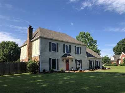 Collierville Single Family Home For Sale: 645 Royal Crown