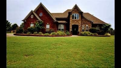 Olive Branch Single Family Home For Sale: 8374 Whites Crossing