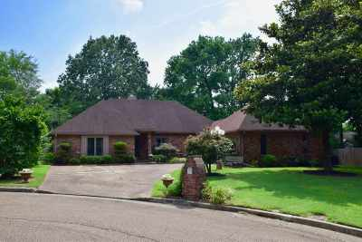 Memphis Single Family Home For Sale: 2809 Wood Run