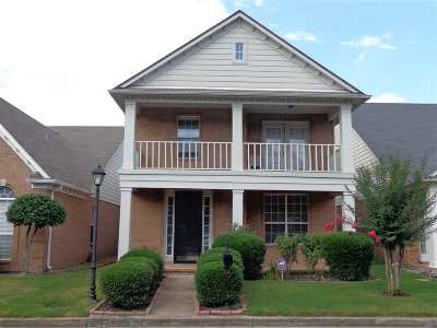 Memphis Single Family Home For Sale: 330 Fountain River